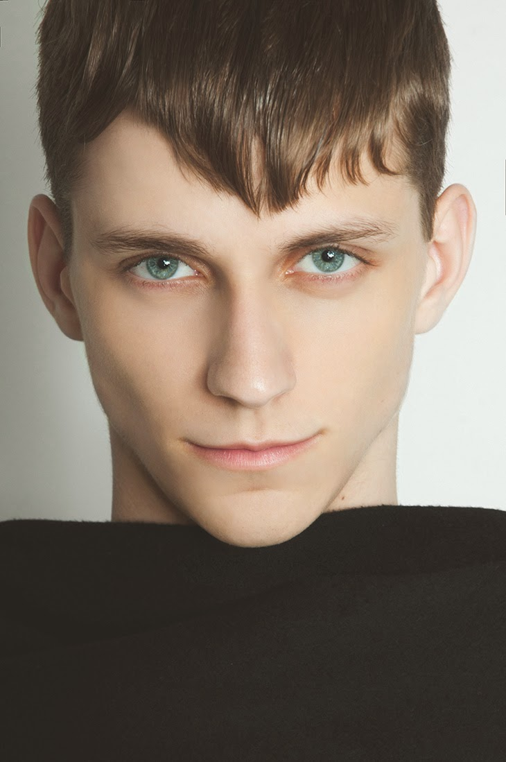 NICHOLAS C. (MAJOR MODEL MANAGEMENT) POR GUSTAVO CHAMS 1 NICHOLAS C. (MAJOR MODEL MANAGEMENT) POR GUSTAVO CHAMS