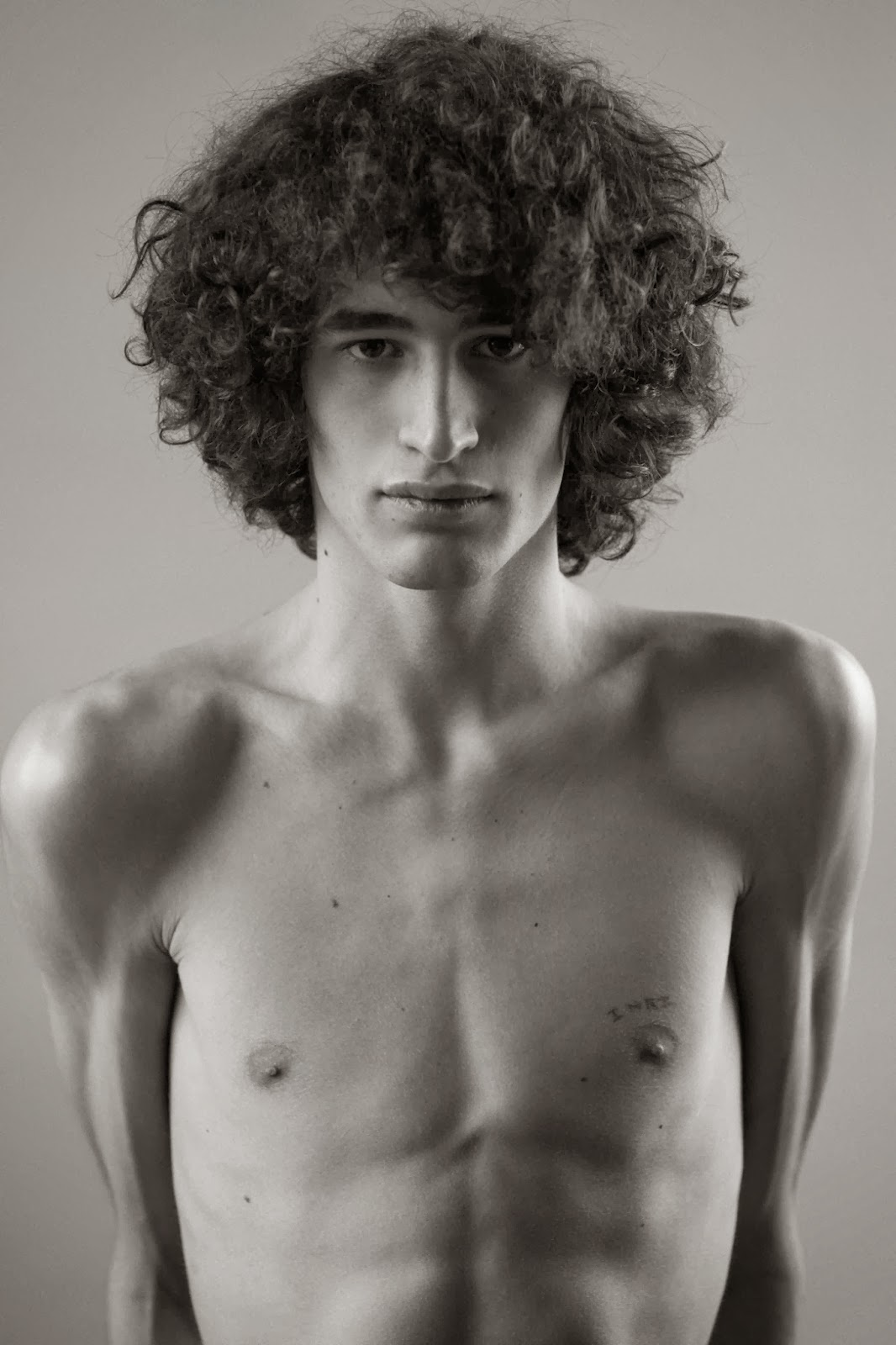 FLORIAN O. (Major Model Management) por Djinane Alsuwayeh 2 FLORIAN O. (Major Model Management) por Djinane Alsuwayeh